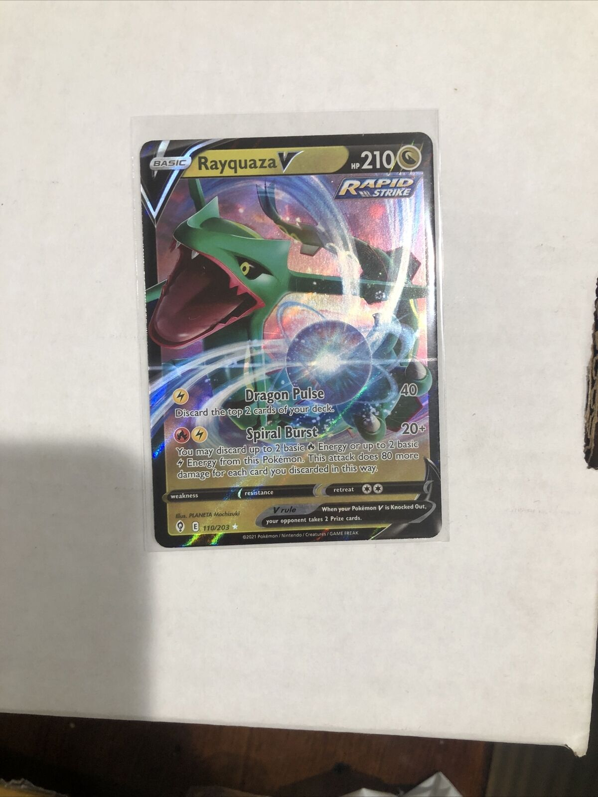 Rayquaza V 110/203 Evolving Skies Pokemon Mint Freshly Pulled And Sleeved Up - Image 1